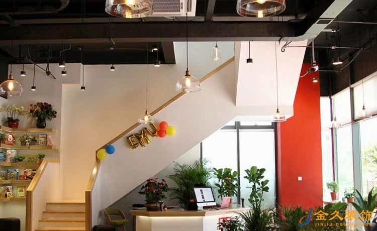 英语培训机构楼梯装修设计
